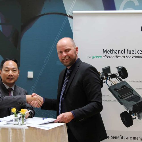 Blue World and Wuxi Lead sign partnership agreement